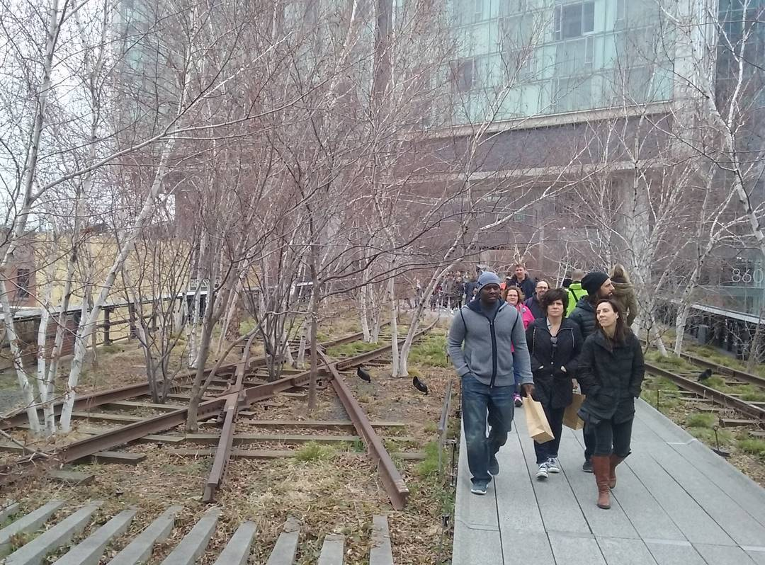 The High Line of New York Antigues vies de trenhellip